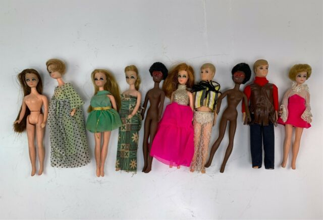 Group 10 Vintage 1970s Topper Dawn Dolls & Family