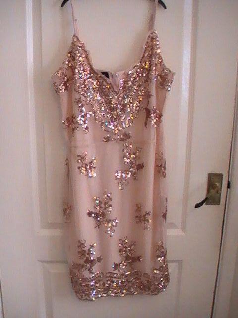 Parisian sequins party dress Größe 12 sexy Gold Golden beige tan MEDIUM strappy