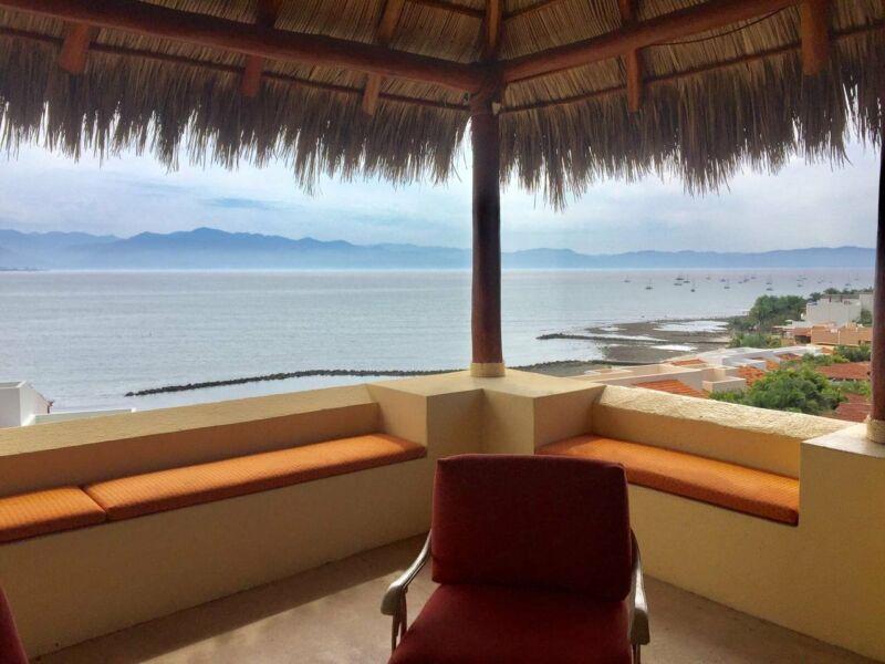 Casa en Venta en La Cruz de Huanacaxtle, Punta Esmeralda, Precio Reducido de $915,000 a $850,000 USD