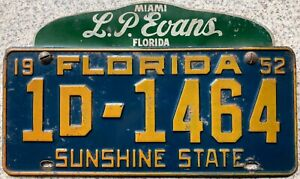 1952-Florida-American-License-Number-Plate-1D-1464-plus-L-P-Evans-Miami-Topper