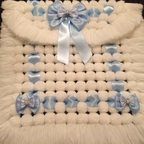 Luxurious Baby Pram// Moses Basket Pom Pom Blanket All White With Blue Ribbon