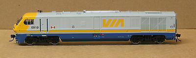 Rapido 200052 HO Bombardier LRC #6921, DCC and Sound.