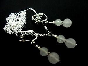 A-PRETTY-OPAQUE-WHITE-JADE-BEAD-NECKLACE-AND-CLIP-ON-EARRING-SET-NEW
