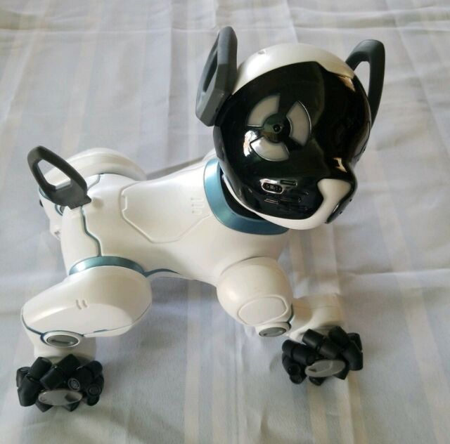 WowWee 0805 Chip Robot Toy Dog - White