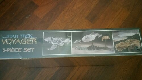 Star Trek Voyager - 3 piece set #3607 NIB (torn shrink wrap)