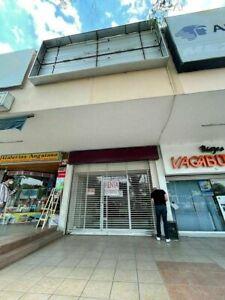 Local Comercial Frente a Plaza del Sol