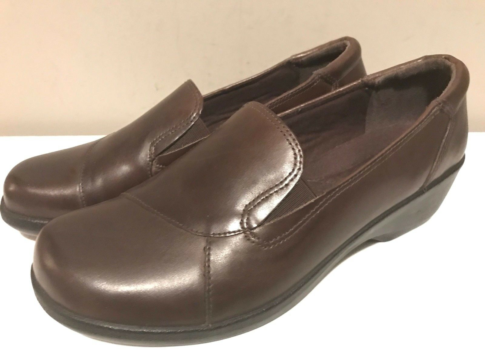 CLARKS Collection Shoe Womens 10 M Brown Leather Slip On Casual Soft Cushion