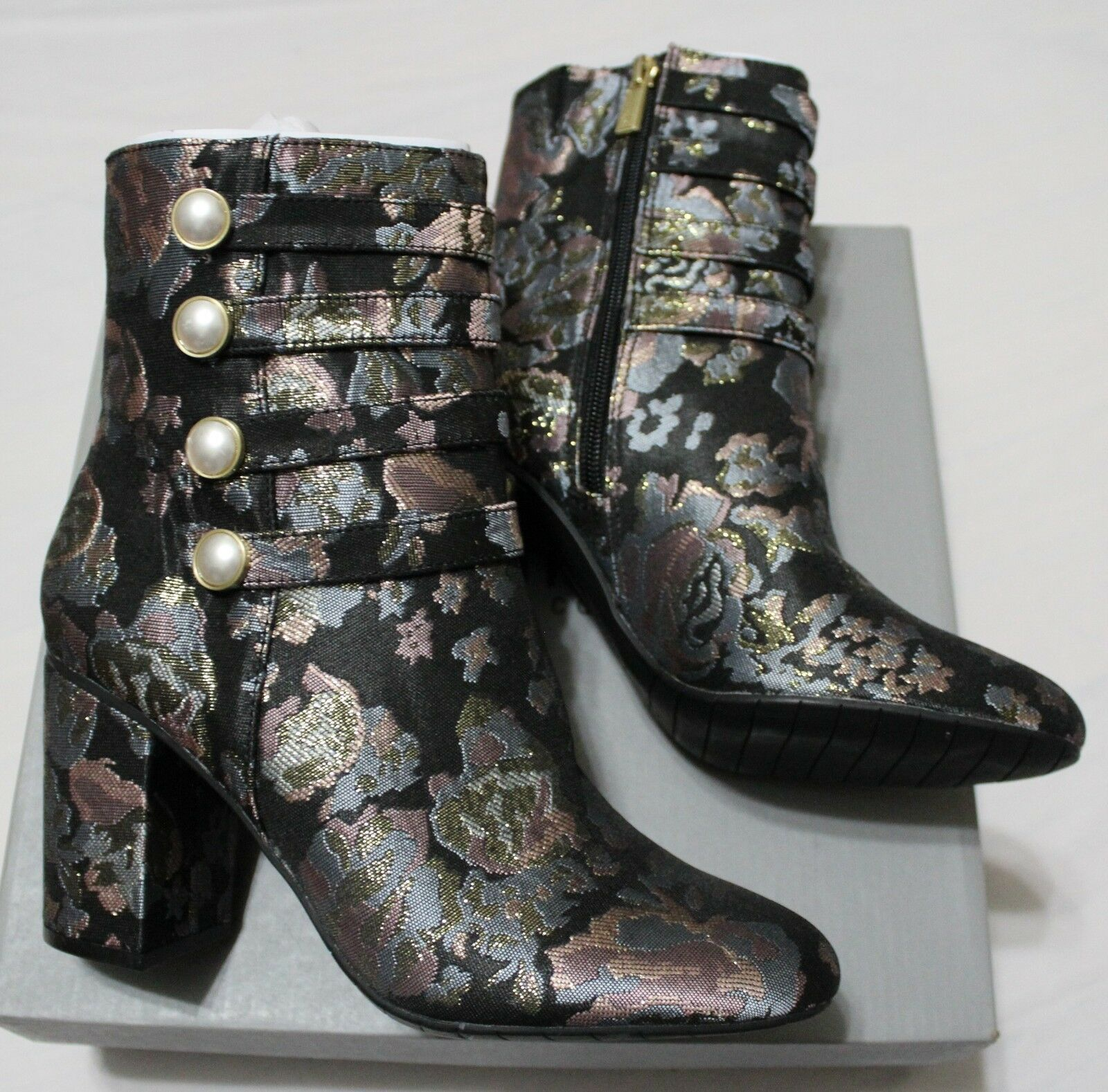 129 KENNETH COLE REACTION TIME TO BE BLK MULTI FLORAL ANKLE BOOTS US 7.5M