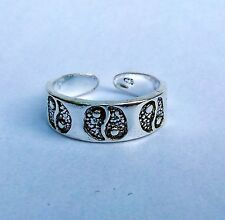 Sterling Silver (925) Adjustable Ying Yang Toe Ring  !!       New !!