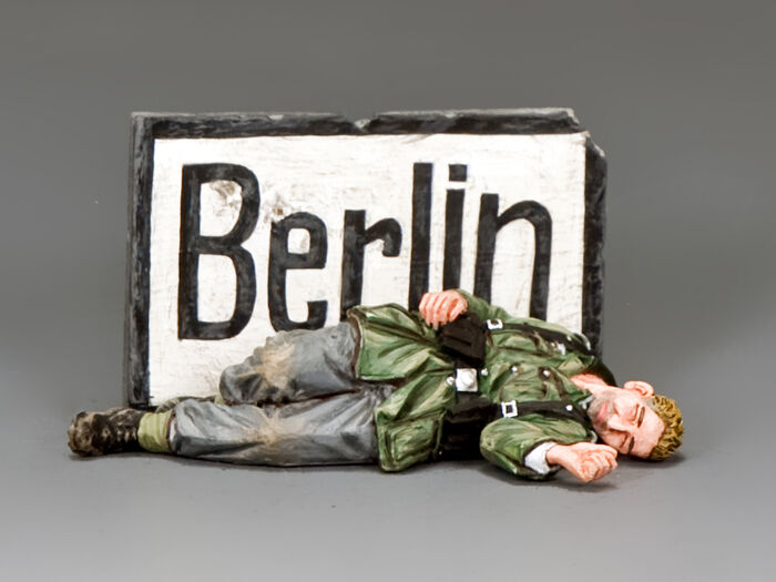 KING AND COUNTRY Death in Berlin WW2 WH072 WH72