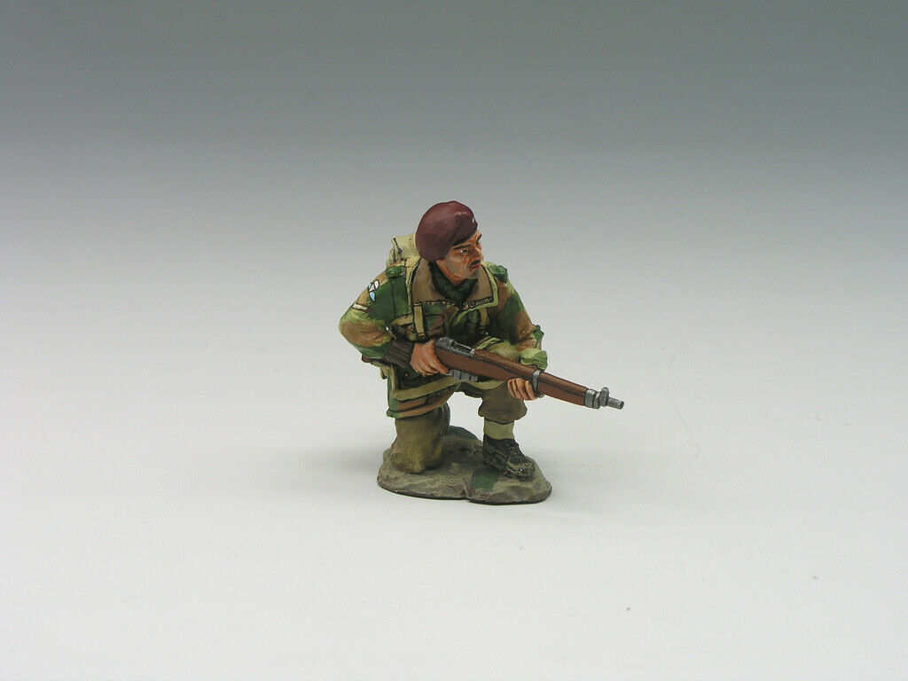 King & Country OPERATION MARKET GARDEN MG008 Kneeling Rifleman Retired Preowned