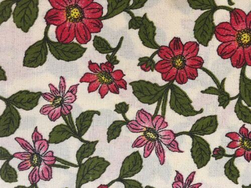 "Set of 2 Assorted Red Floral 4/"" x 4/"" Iron on Peek-A-Boo Jean Patches"