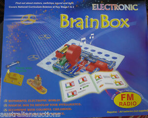SNAP-CIRCUITS-BRAINBOX-KIT-80-WITH-FM-RADIO-EXPERIMENTS-MOTORS-SWITCHES-LIGHTS