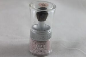 L'Oreal Color Minerals Eye Shadow to enhance your eyes Free Postage
