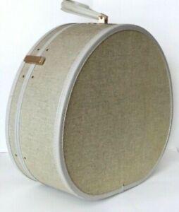 Vintage Samsonite Shwayder Bros Hard Round Suitcase Luggage Beige 9420 w/ key