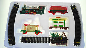 PUT-A-CHRISTMAS-TOY-TRAIN-ENGINE-ROUND-YOUR-XMAS-TREE-GREAT-PRESENT