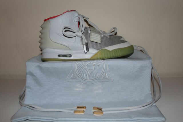 half off e2935 b9d8a Nike Air Yeezy 2 NRG Pure Platinum Size 10 Authentic 508214-010