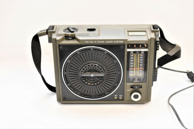 3-5507B General Electric GE 8 Track Portable Stereo Boombox >>44r