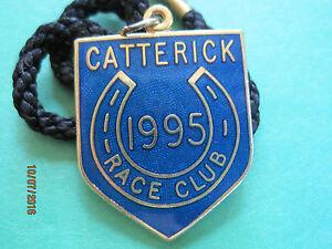 Catterick-Horse-Racing-Members-Badge-1995-VGC