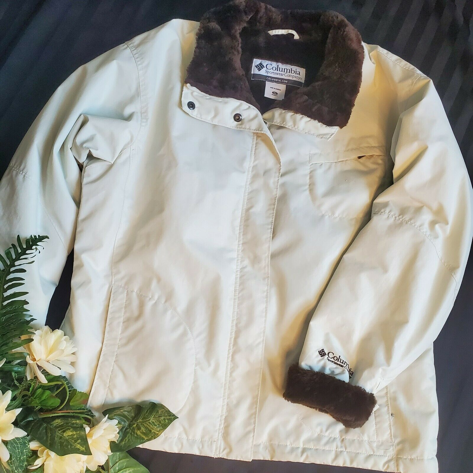 Womens Vintage Columbia White Fur Winter Coat SZ XL