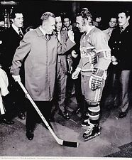 ORIGINAL 10/23/71 MONTREAL CANADIENS HENRI RICHARD NHL HOCKEY WIRE PHOTO  SOVIET
