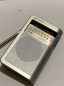 VINTAGE POCKET SUPER SONY  RADIO FM-MW(AM) BAND 1960s-1980s