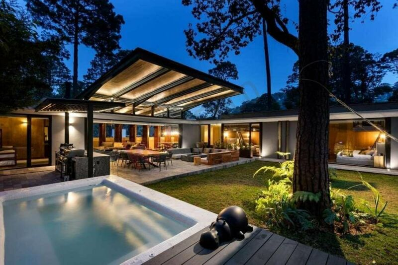 Lujosa casa en venta en un excelente condominio de Avándaro