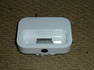Apple-Universal-Ipod-Docking-Station-Dock-Cradle-Original-De-Escritorio-cargo-A1153
