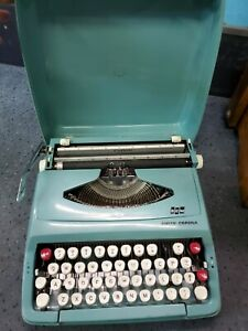 Vintage Turquoise Smith Corona Corsair Deluxe Typewriter