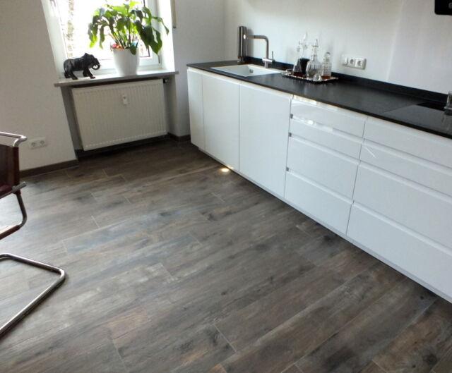 tolle Bodenfliesen- Fliesen in Holzoptik - Panele 120cm x 20cm -Küche & Bad  15qm