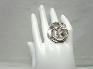 Jessica-Simpson-Silver-Tone-Fashion-Ring-Flower-Rhinestone-Statement-Stretch