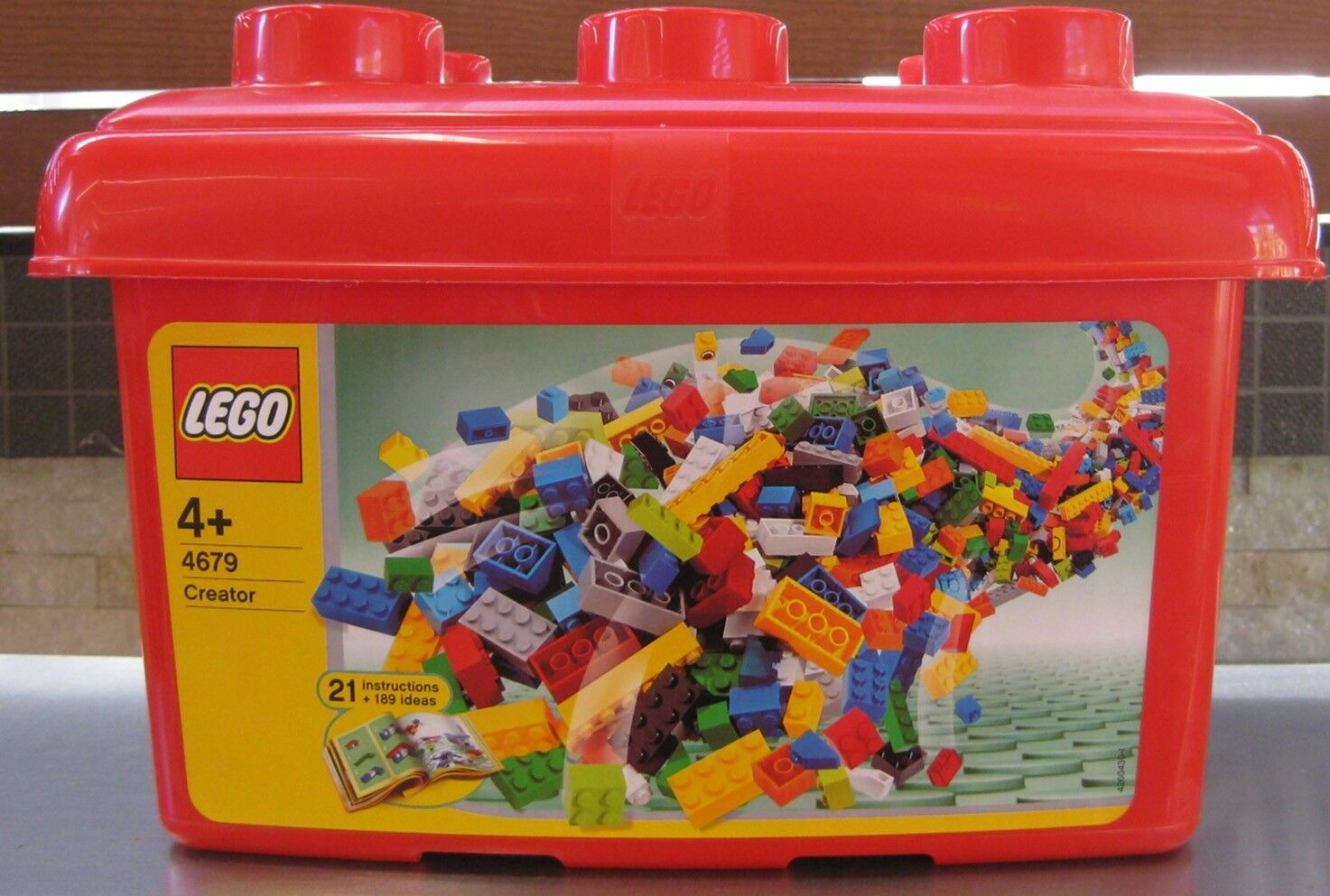 LEGO CREATOR RED TUB RARE & RETIRED DATED 2004 BRAND NEW