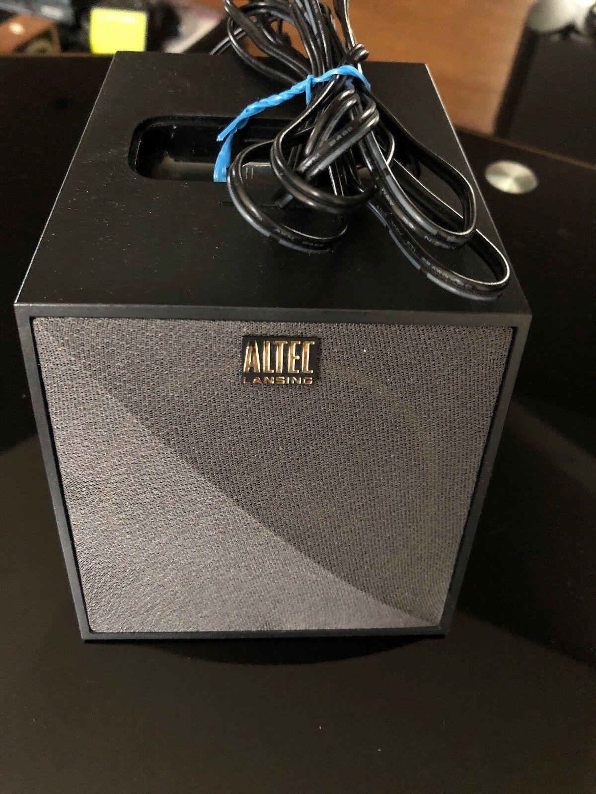 Altec Lansing M102 Octiv Mini iPod & iPhone Docking Station Speaker System