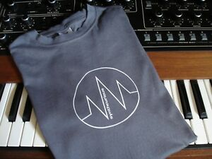 Synthcurious-t-shirt-logo-synth-synthesiser-electronic-humans