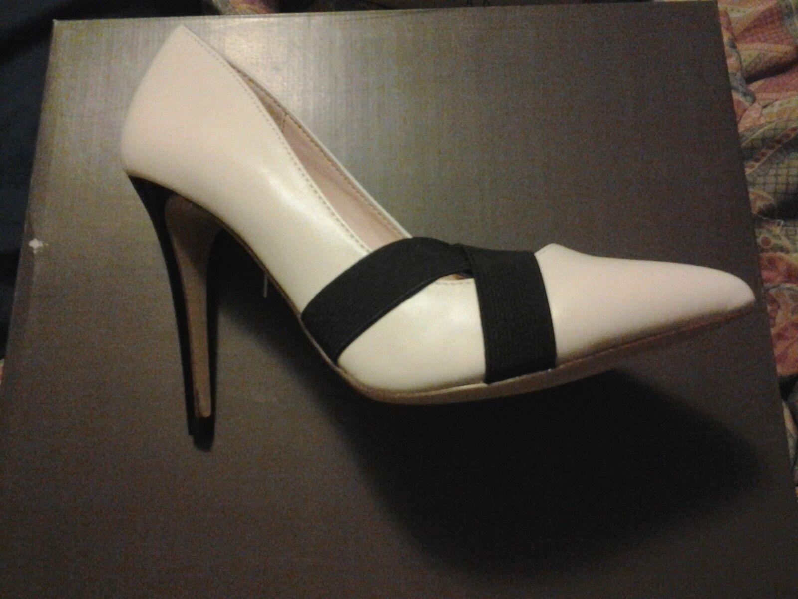 Madison, Marisela Style. Size 8.5.  White.  New in box