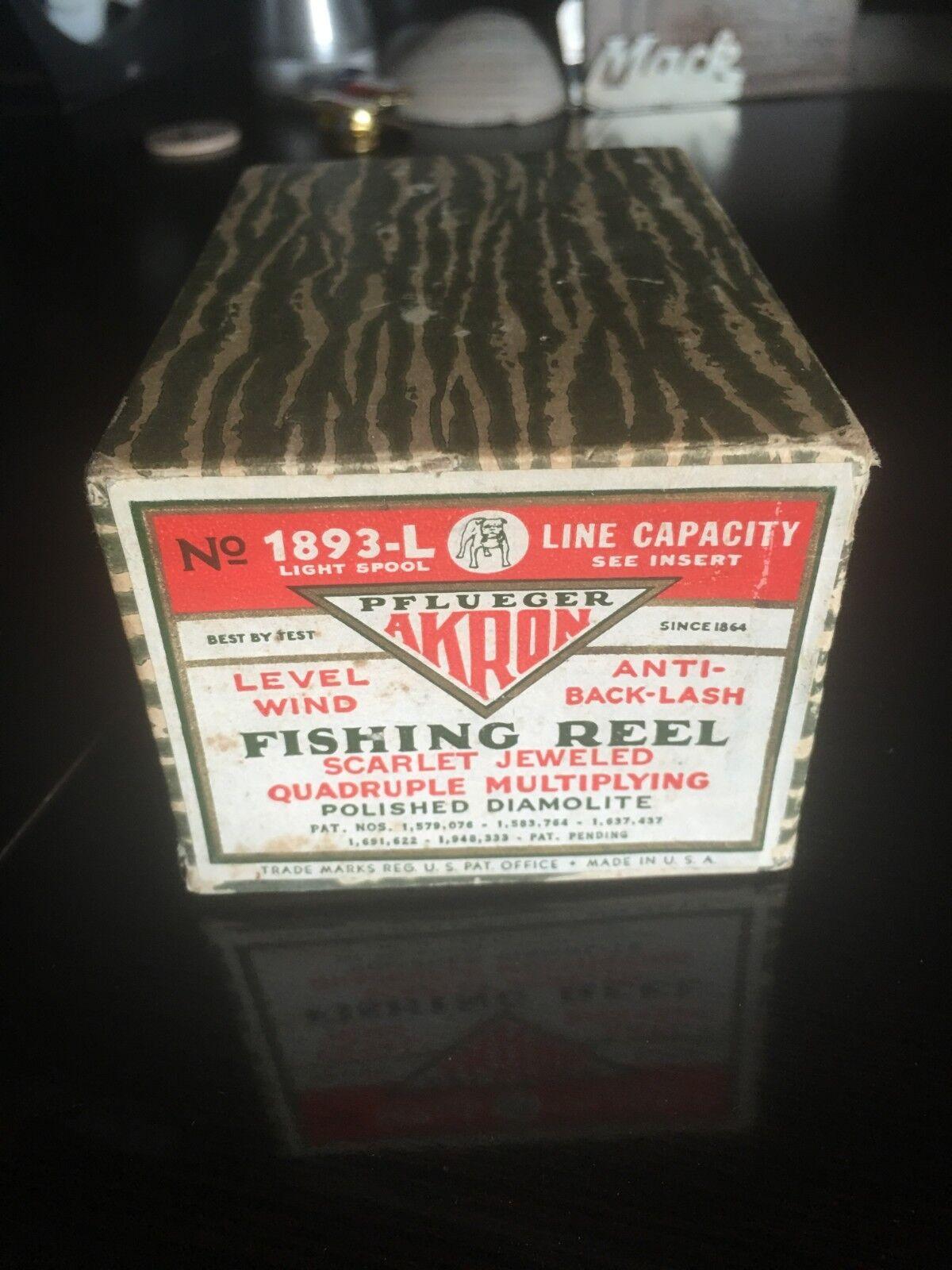 Vintage Pflueger Skilkast Fishing Bait Caster Reel in Box w paperwork