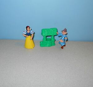 PEZ  Snow White Doc Footed Candy Dispenser Disney Doc Dwarf