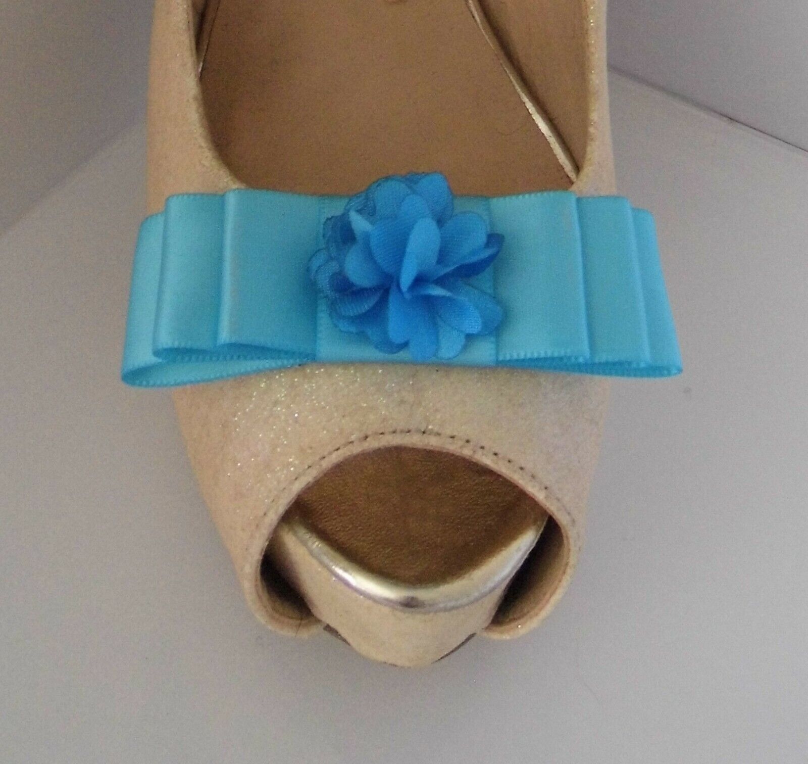 2 Turquoise Bow Shoe Clips with Floaty Flower Centre