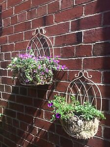 Set Of 2 Garden Patio Wall Planters Shabby Chic Distressed Cream