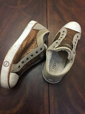 Women's Ugg Evera Sherpa Lined Metallic Chestnut Logo Canvas Sneakers Size 7.5