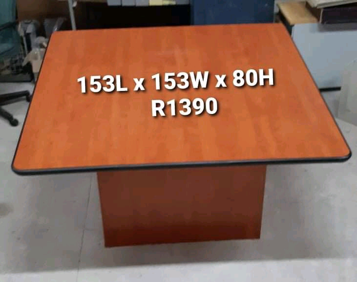 EXCELENT QUALITY BOARD ROOM CONFERENCE TABLE FOR SALE