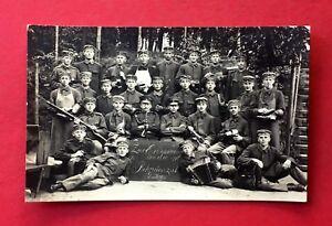 Militaer-Foto-AK-BISCHOFSWERDA-1-WK-1916-Gruppenbild-Rekruten-40609