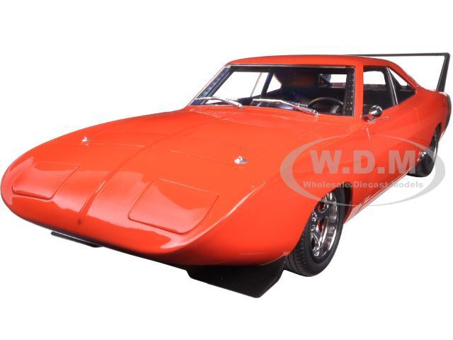 1969 DODGE CHARGER DAYTONA rot Orange WITH schwarz 1 18 BY GrünLIGHT 19004