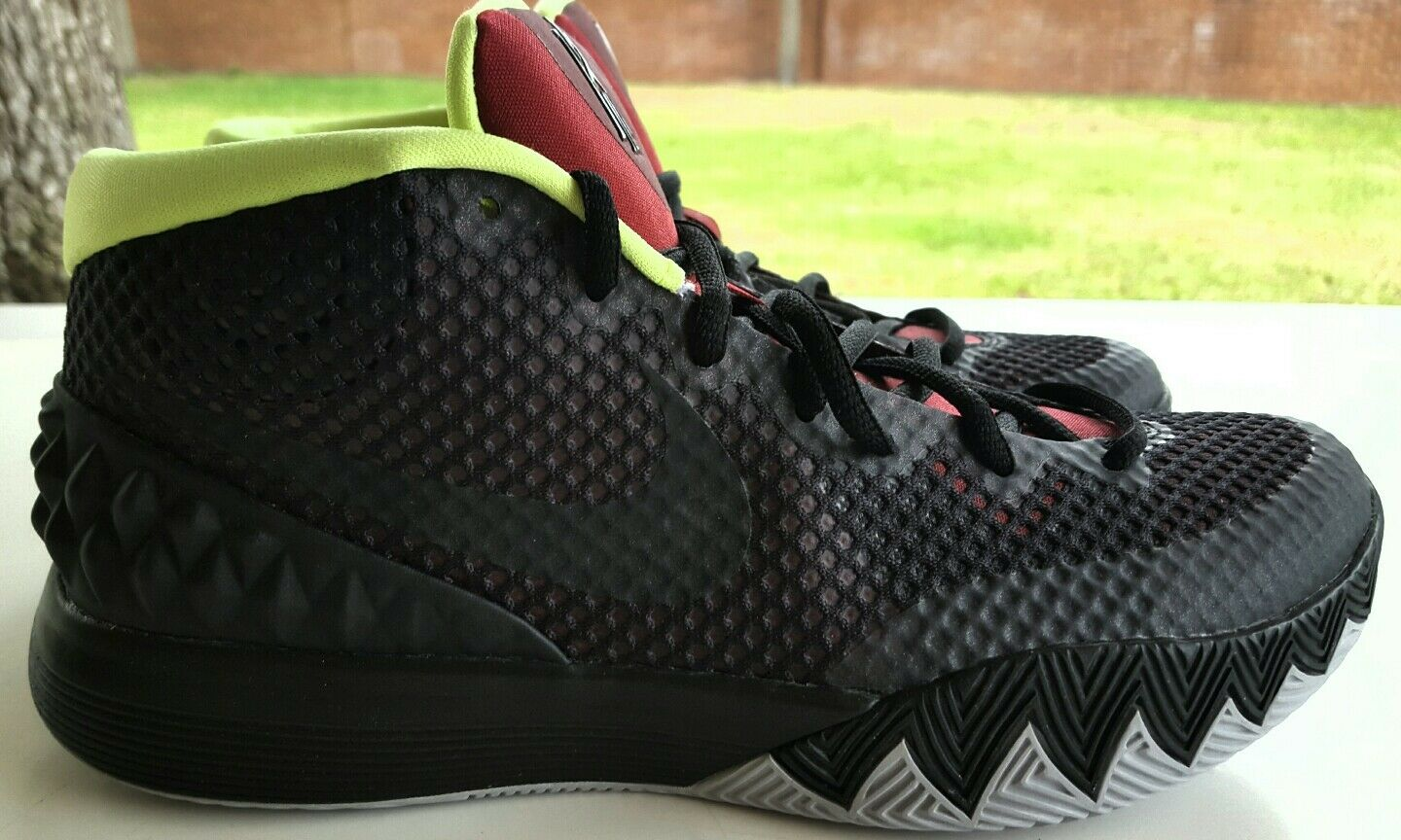 NIKE ZOOM KYRIE ID WMNS SIZE 8.5 747424-991