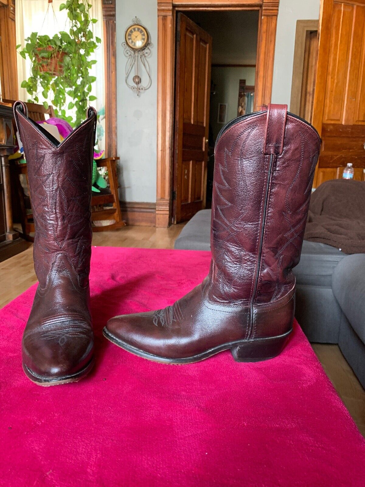 Burgundy Red Cowboy Boots Mens 9 D Sheplers Leather  Distressed