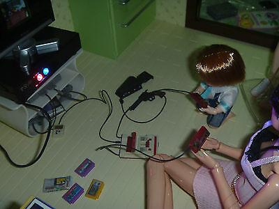 Miniature VDO Game Console 2 Controller Cartridge Figure for KUMIK Toys Hobbies