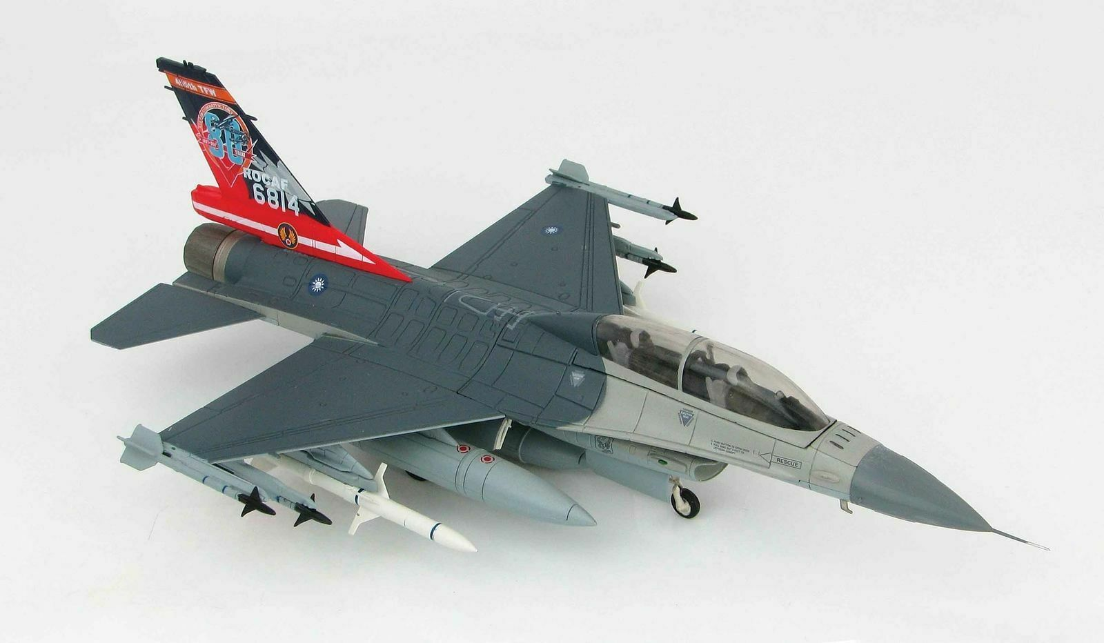 Hobby Master HA3858 1 72 F-16B Fighting Falcon ROCAF 80th Anniv. 814 air combat