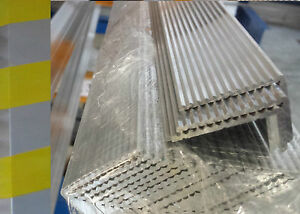 Avoir Un Esprit De Recherche Angle Aluminium Cannelé - Anti Dérapant Garniture Escalier Nez Résistant Assurer IndéFiniment Une Apparence Nouvelle