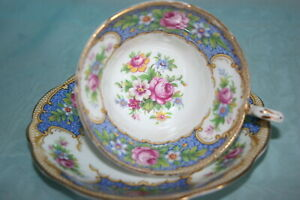 Lovely-Vint-Foley-bone-china-cup-saucer-Tudor-Blue-w-Flower-Bouquet-Pink-Roses