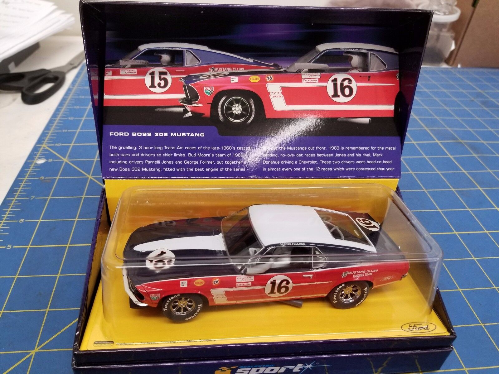 Scalextric C2402AT Ford Mustang Boss 302 edición limitada de 69 Nº 16 1/32 ranura de coche